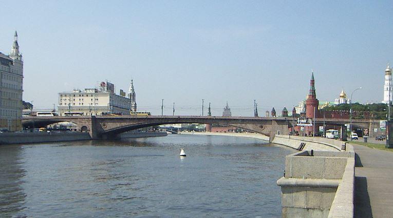 Москворецкая набережная - Вид на Москворецкий мост